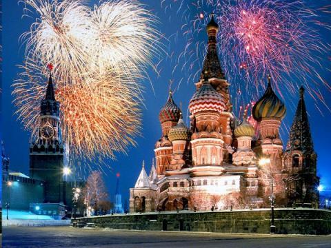 walking tourst Petersburg